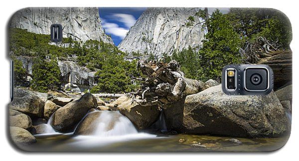 Galaxy S5 Case featuring the photograph Stream Above Vernal Falls by Mike Lee