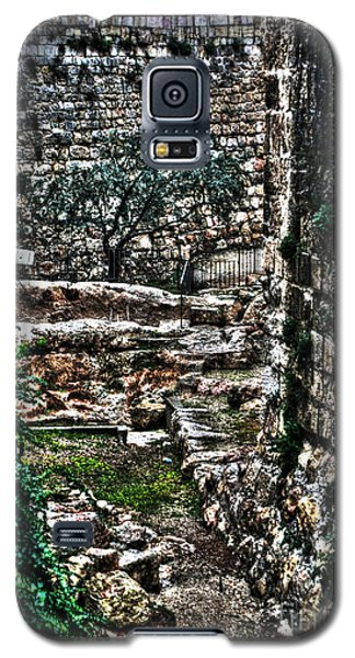 Galaxy S5 Case featuring the photograph Street In Jerusalem by Doc Braham