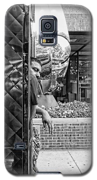 Galaxy S5 Case featuring the photograph Street Vendor by Hugh Smith