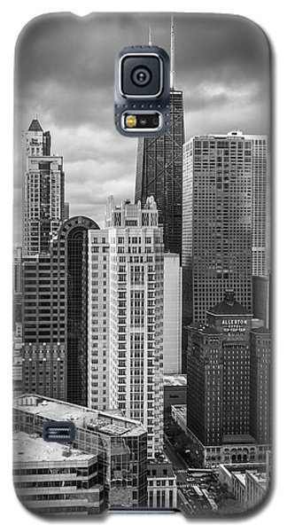Streeterville From Above Black And White Galaxy S5 Case by Adam Romanowicz