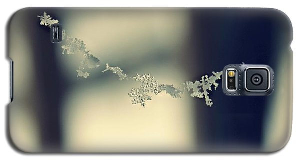 String Of Snowflakes Galaxy S5 Case