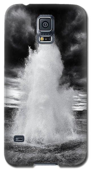 Strokkur Geyser Iceland Black And White Galaxy S5 Case