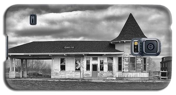 Galaxy S5 Case featuring the photograph Sturtevant Old Hiawatha Depot by Ricky L Jones