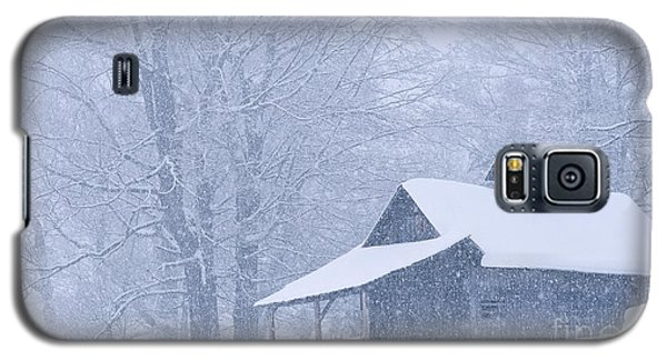 Sugarhouse Snowfall Galaxy S5 Case by Alan L Graham