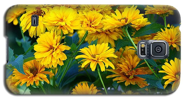 Galaxy S5 Case featuring the photograph Summer Bouquet by Linda Edgecomb
