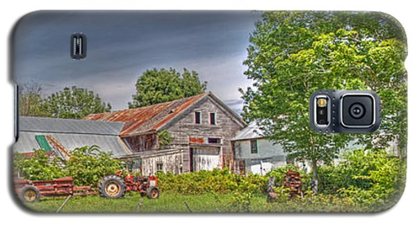 Galaxy S5 Case featuring the photograph Summer Farm by David Bishop