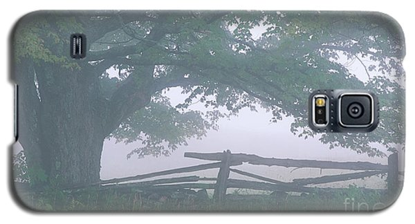 Galaxy S5 Case featuring the photograph Summer Morning Fog by Alan L Graham