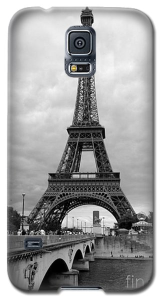 Summer Storm Over The Eiffel Tower Galaxy S5 Case