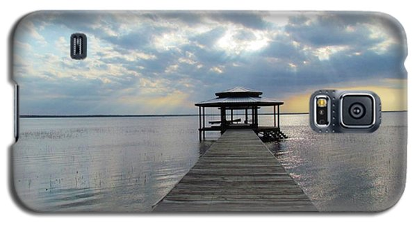 Galaxy S5 Case featuring the photograph Sun Rays On The Lake by Cynthia Guinn