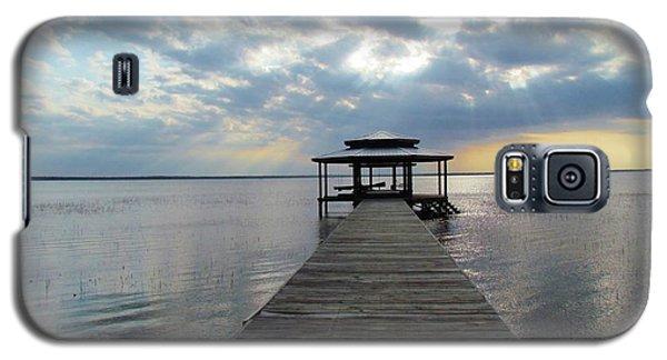 Sun Rays On The Lake Galaxy S5 Case by Cynthia Guinn
