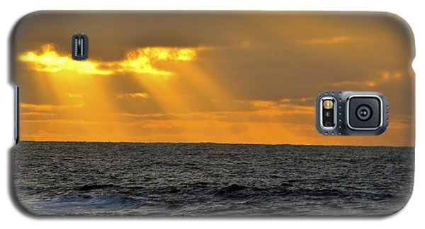 Sun Rays Through The Clouds Galaxy S5 Case by Alex King