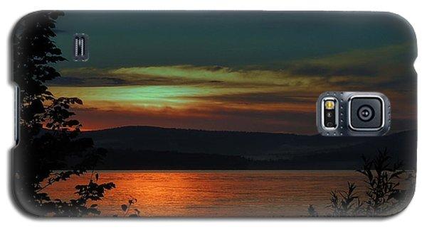 Sun Sets On Winnisquam Galaxy S5 Case by Mim White