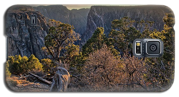 Sun Setting At Painted Wall Galaxy S5 Case