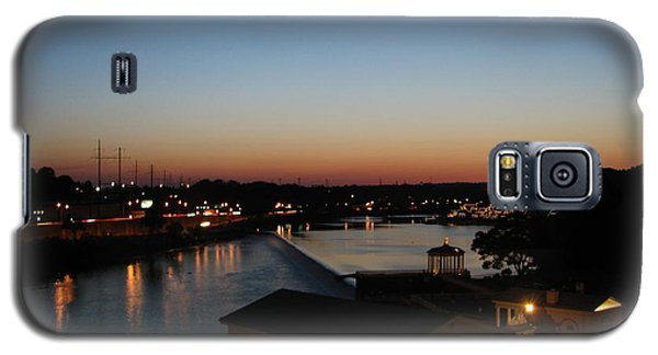 Galaxy S5 Case featuring the photograph Sundown On The Schuylkill by Christopher Woods