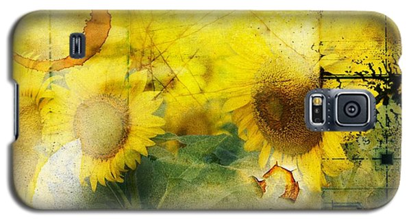 Galaxy S5 Case featuring the photograph Sunflower Grunge by Kathy Churchman