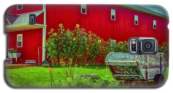 Sunflowers Beside A Big Red Barn Galaxy S5 Case