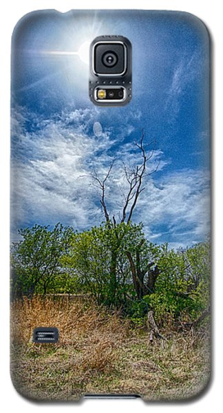 Galaxy S5 Case featuring the photograph Sunny Days by Yvonne Emerson AKA RavenSoul