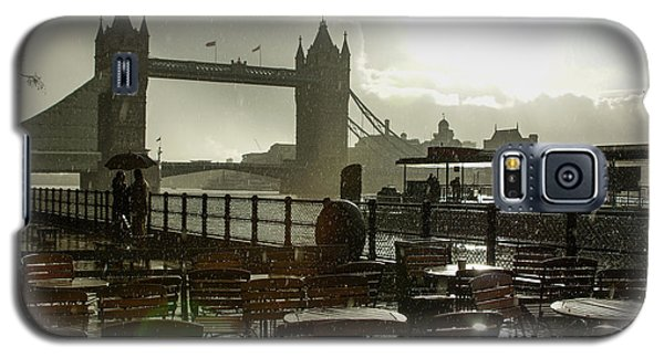 Sunny Rainstorm In London - England Galaxy S5 Case