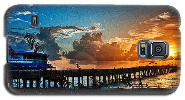 Sunrise At Lake Worth Pier Galaxy S5 Case by Don Durfee