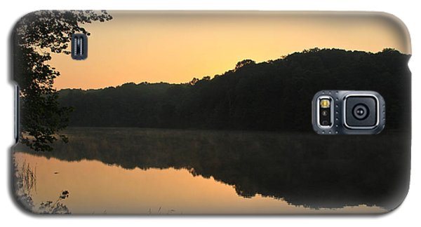 Sunrise At Rose Lake Galaxy S5 Case by Julie Andel