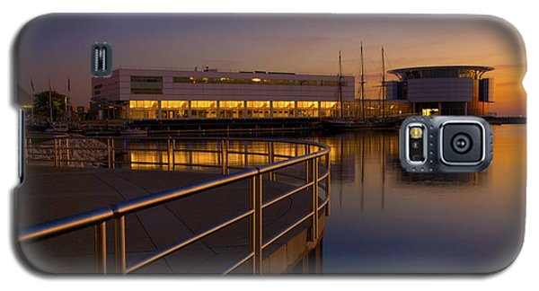 Galaxy S5 Case featuring the photograph Sunrise At The Lakefront by Jonah  Anderson