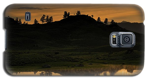 Sunrise Behind A Yellowstone Ridge Galaxy S5 Case