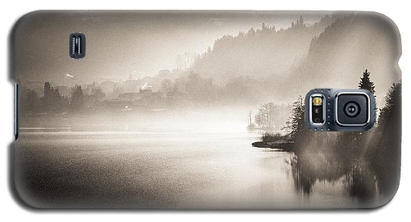 Galaxy S5 Case featuring the photograph Sunrise By The Lake by Maciej Markiewicz
