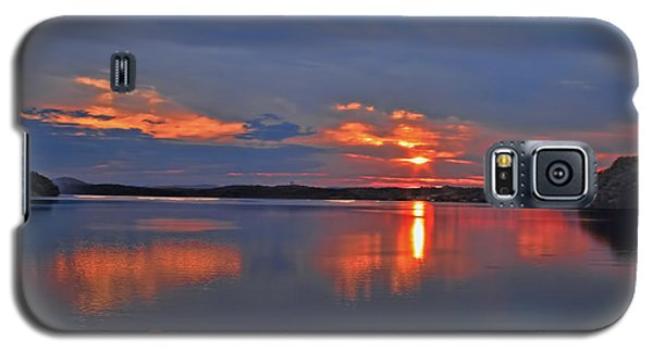 Galaxy S5 Case featuring the photograph Sunrise by Geraldine DeBoer