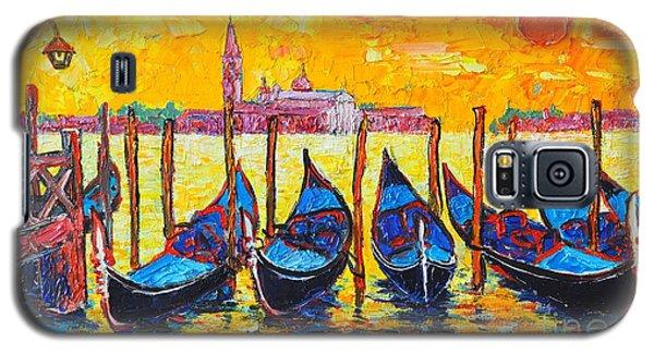 Sunrise In Venice Italy Gondolas And San Giorgio Maggiore Galaxy S5 Case