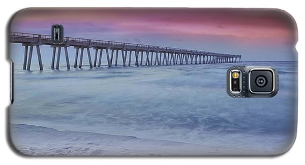 Galaxy S5 Case featuring the photograph Sunrise In Winter by Renee Hardison