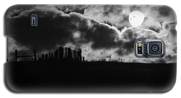 Sunrise On The Farm Bw Galaxy S5 Case