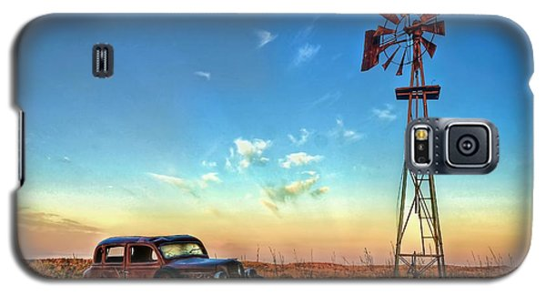 Galaxy S5 Case featuring the photograph Sunrise On The Farm by Ken Smith