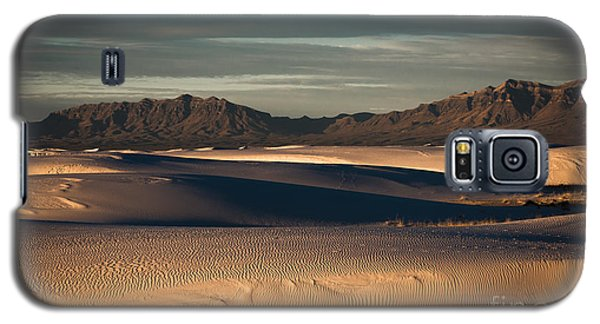 Galaxy S5 Case featuring the photograph Sunrise On The Dunes by Sherry Davis