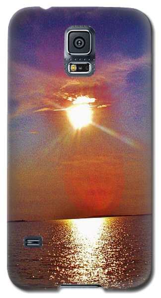 Galaxy S5 Case featuring the photograph Sunrise Over The Big Mac by Daniel Thompson