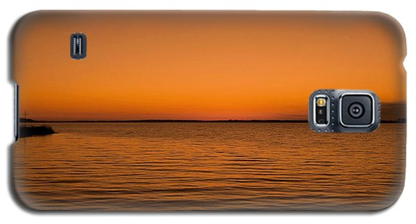 Galaxy S5 Case featuring the photograph Sunrise Over The Lake Of Two Mountains - Qc by Juergen Weiss