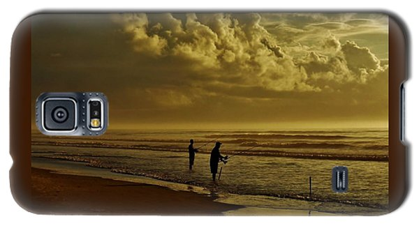 Sunrise Surf Fishing Galaxy S5 Case by Ed Sweeney