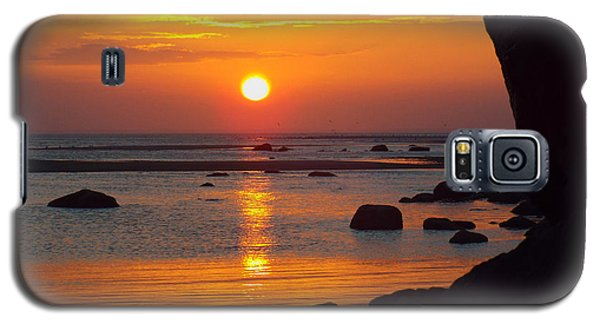 Galaxy S5 Case featuring the photograph Sunrise Therapy by Dianne Cowen