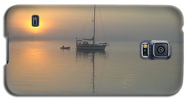 Sunrise Through The Fog Galaxy S5 Case by Bob Sample