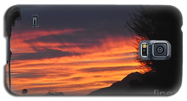 Sunrise With Lone Sentinel Over Desert Galaxy S5 Case by Jay Milo