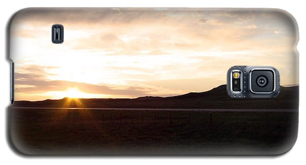 Galaxy S5 Case featuring the photograph Sunset Across I 90 by Cathy Anderson