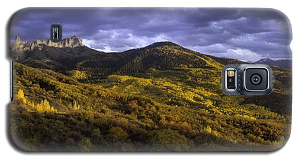 Galaxy S5 Case featuring the photograph Sunset At Courthouse Mountain by Kristal Kraft