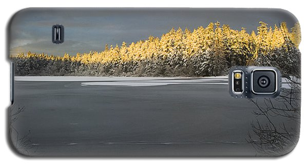 Galaxy S5 Case featuring the photograph Sunset At Cranberry Lake Anacortes by Yulia Kazansky