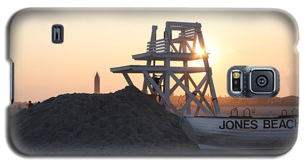 Galaxy S5 Case featuring the photograph Sunset At Jones Beach by John Telfer