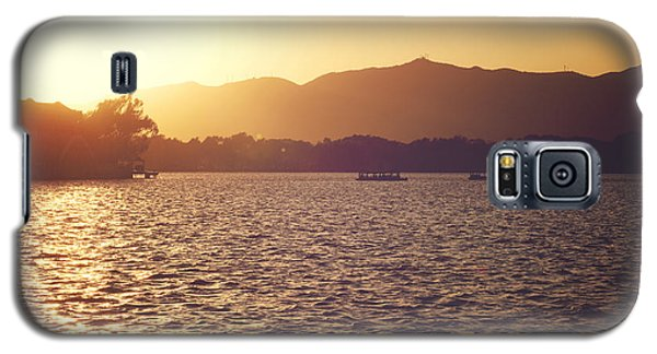 Galaxy S5 Case featuring the photograph Sunset At Summer Palace by Yew Kwang