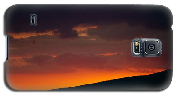Galaxy S5 Case featuring the photograph Sunset Beyond The Waianae Mountain Range by Lehua Pekelo-Stearns