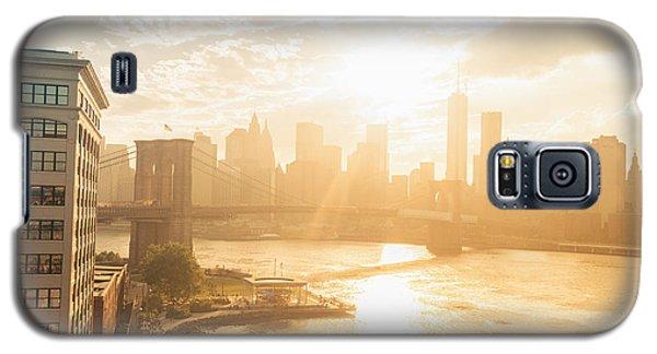 City Sunset Galaxy S5 Case - Sunset - Brooklyn Bridge - New York City by Vivienne Gucwa