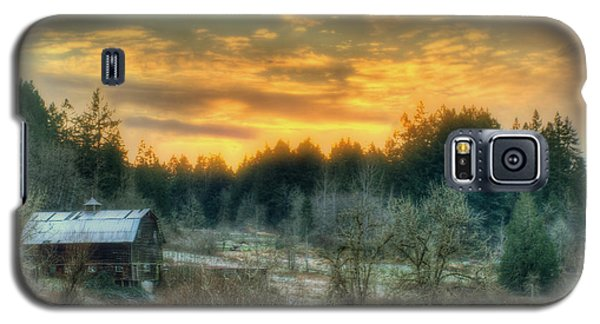 Galaxy S5 Case featuring the photograph Sunset In The Valley by Jeff Cook
