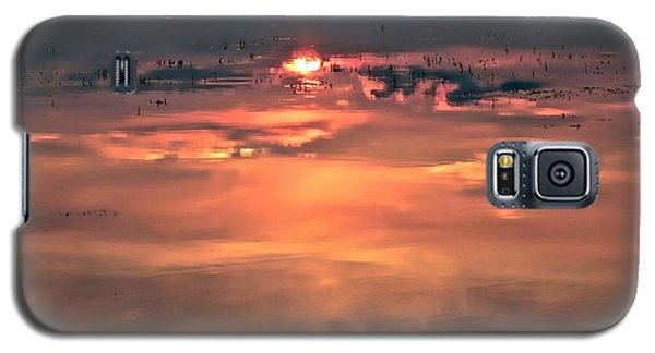 Sunset In The Water Galaxy S5 Case by Michaela Preston