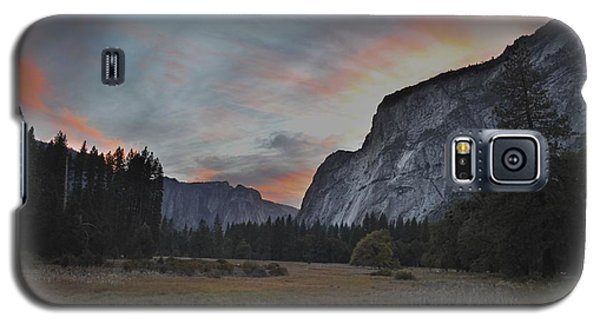 Sunset In Yosemite Valley Galaxy S5 Case by Alex King