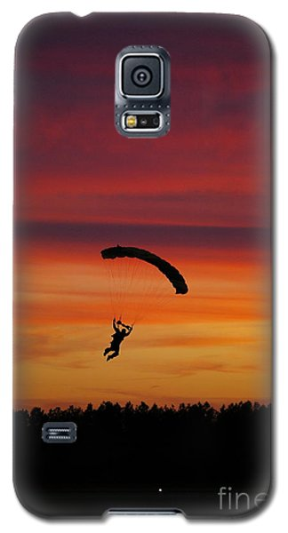 Galaxy S5 Case featuring the photograph Sunset Landing by Tannis  Baldwin